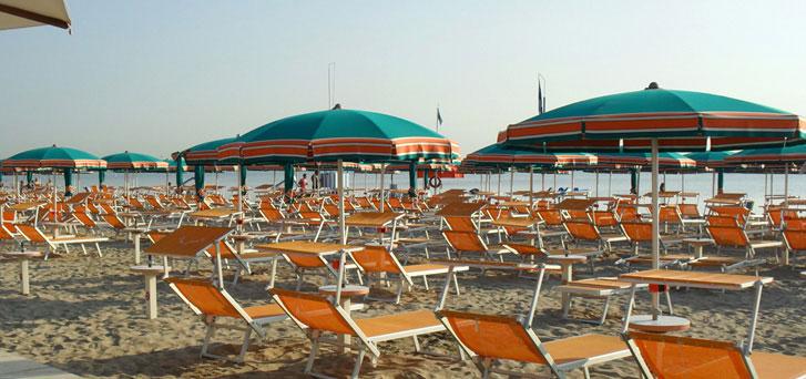 Spiaggia con animazione bellaria igea marina hotel grado - Bagno romano igea marina ...